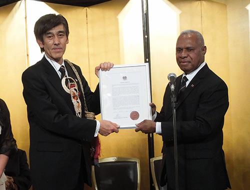 栗林和徳(現代表取締役会長)がPNG北海道名誉総領事を拝命。